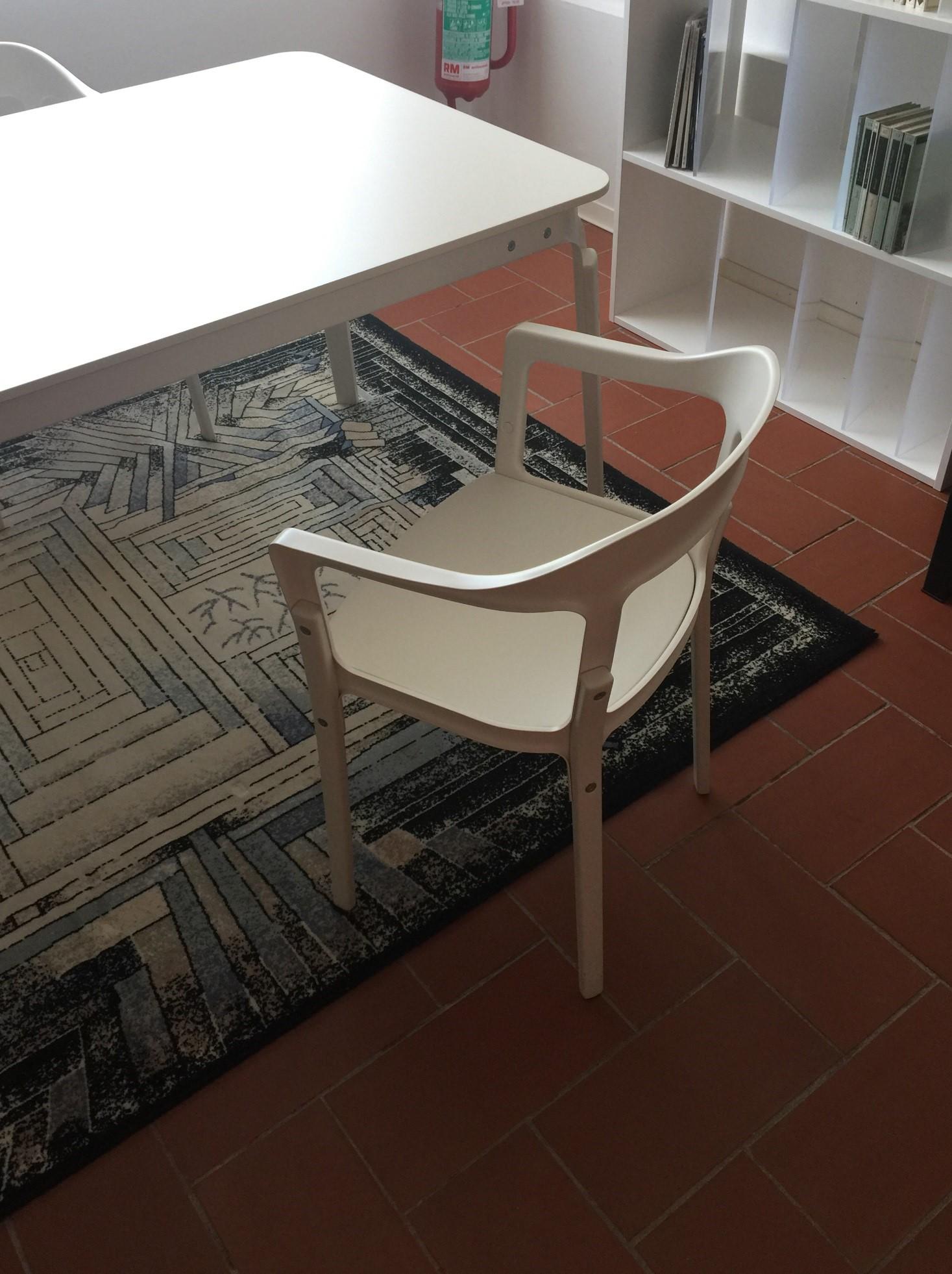 N 4 sedie magis modello steelwood barlozzini mobili for Magis arredamenti